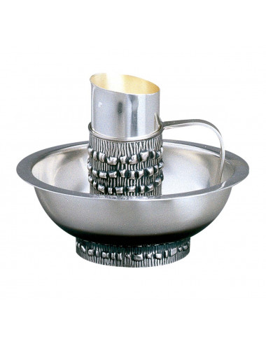 Lavabo set with decoration in jug and basin