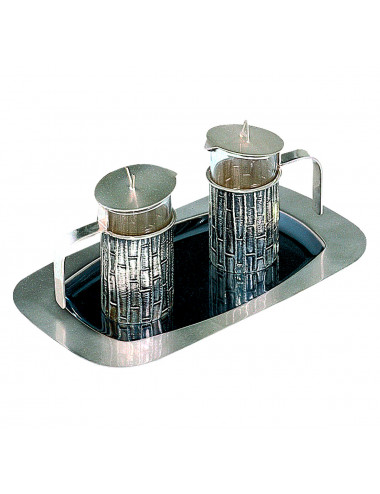 Cruet set with chiselled decoration