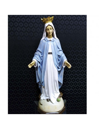 Miracolous Virgin image made in wood carving