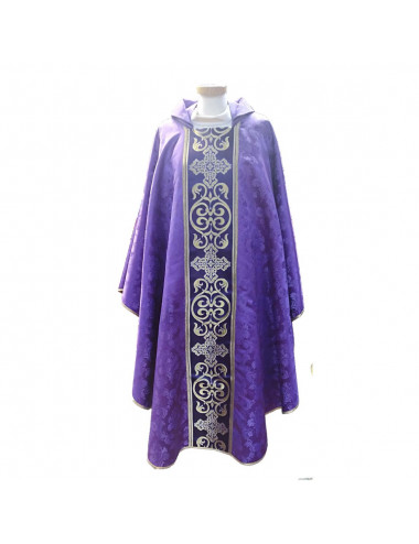 Chasuble made in purple damask fabric.