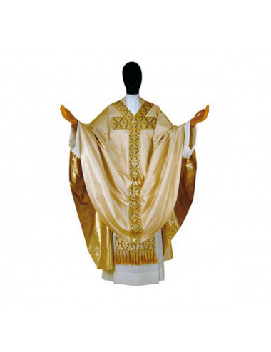 Gothic style chasuble made in silk and decorated with braid