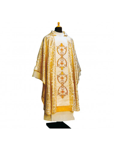 Gothic style chasuble embroidered on damask