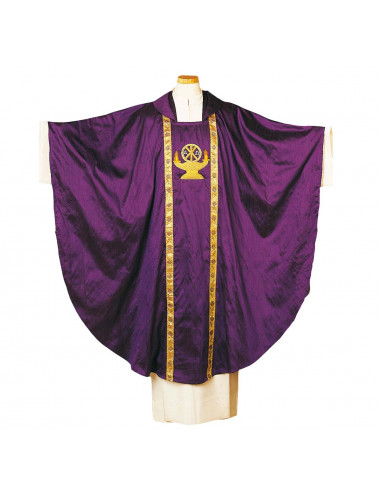 Gothic style chasuble with central motif
