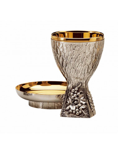 Chalice and chiselled bowl Paten modern style