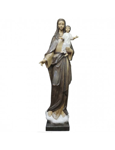Image of the Virgin hugging the Child in wood carving