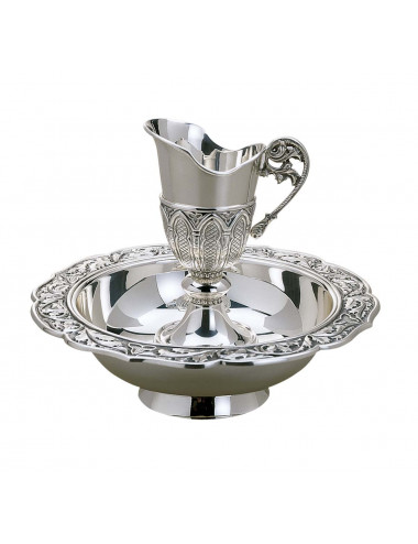 Lavabo set with gothic decoration